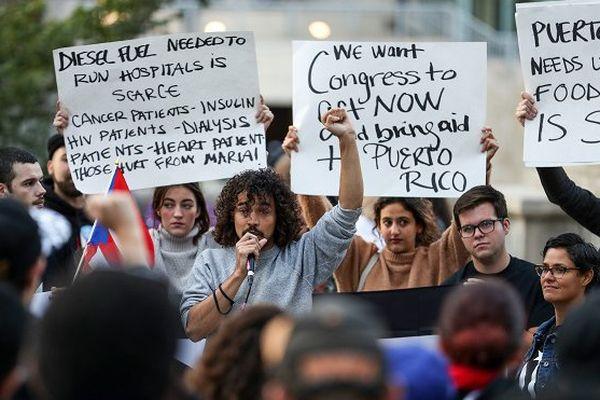 Manifestaion à Chicago devant la Trump Tower