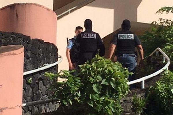 Policiers Saint-Benoît résidence Fragance 27 avril 2017