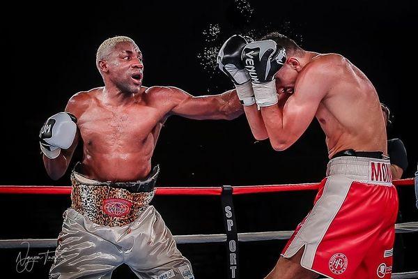 Michel Mothmora lors de son combat contre Rachid Achoui