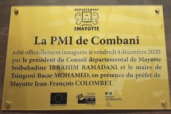 Plaque inauguration PMI Combani