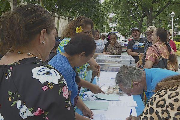 De la pétition aux dons numéraires