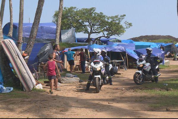 Camp des réfugiés cubains et syriens