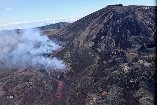 Le Piton de la Fournaise offre sa troisième éruption de l'année à La Réunion
