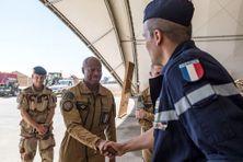 Le général Jean-Marc Vigilant (au centre) sera le nouveau directeur de l'Ecole de guerre à partir de juillet 2020