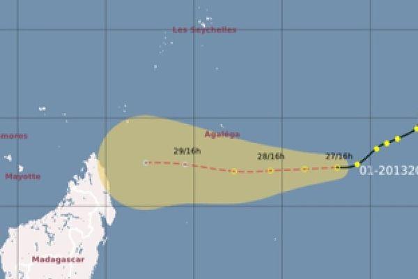 La perturbation tropicale est à 1200 Km