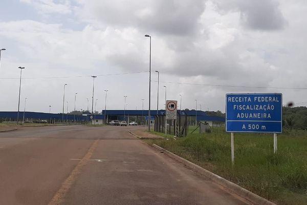 Le poste frontière côté brésilien sur le pont Oyapock