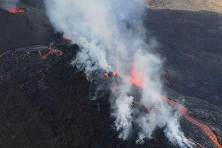 Piton d ela fournaise éruption volcan 060319