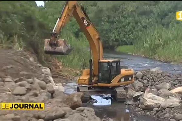 Les riverains de la Mateoro dénoncent une extraction sauvage