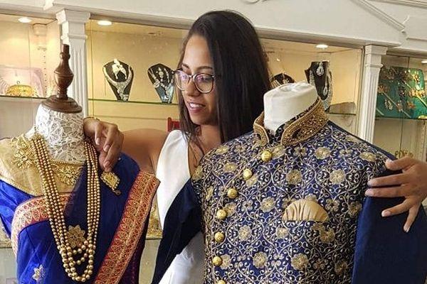 Pour le Dipavali, la communauté tamoule revêt ses plus beaux vêtements.