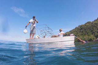 Première opération de nettoyage pour le lagon de Papara