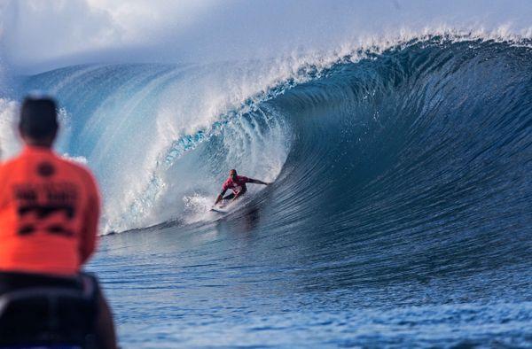 Kelly Slater pendant sa 1ère série. Billabong Pro Tahiti 2014, jour 1. 18 08 14
