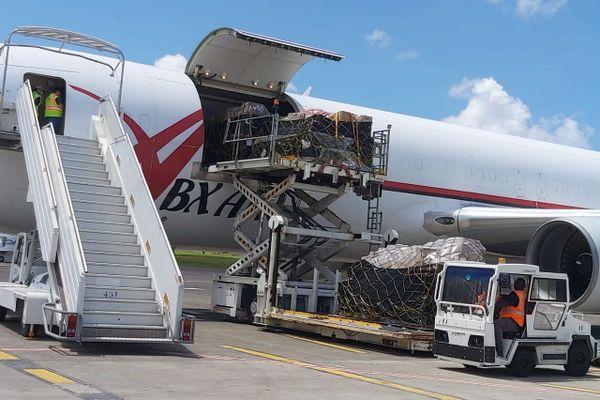 avion affrété par DHL