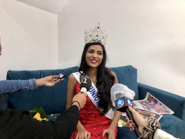 Dana Virin, Miss Réunion 2021 micros journalistes