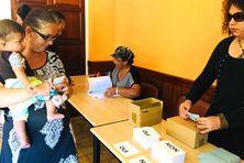 Vote à la mairie de Ouégoa durant le référendum du 4 novembre 2018.