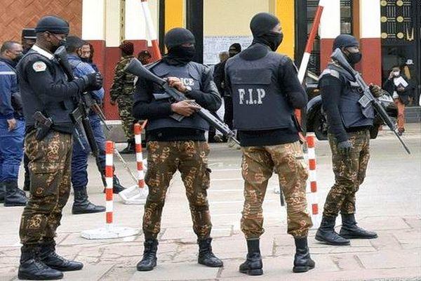 Militaires palais de justice présentation des suspects attentat contre le Président Mada 4 août 2021
