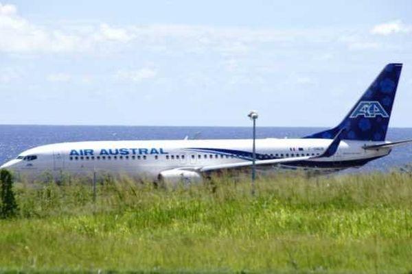 Atterrissage avion air austral 02