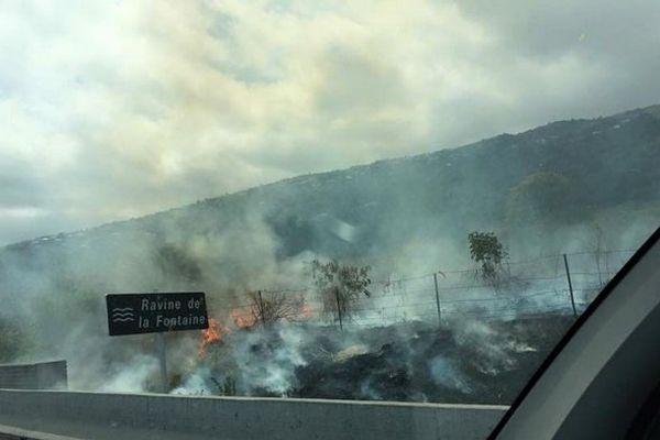 Incendie route Tamarins