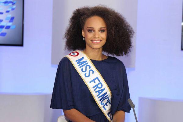 Alicia Aylies, Miss France au JT du 10 janvier