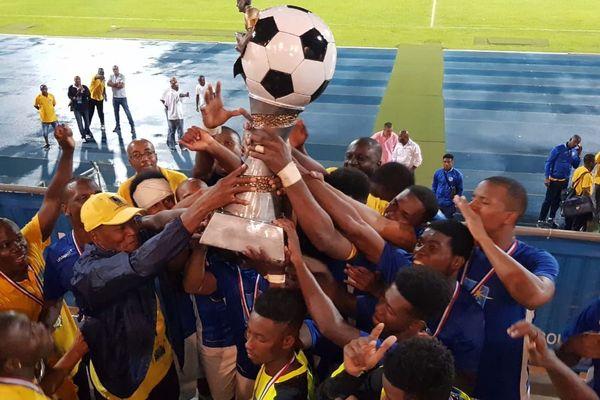 La joie des joueurs du Geldar vainqueurs de la Coupe MMG 2019