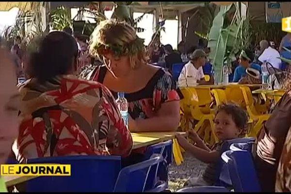 Les habitants de Faa'a réunis pour un grand ma'a Tahiti
