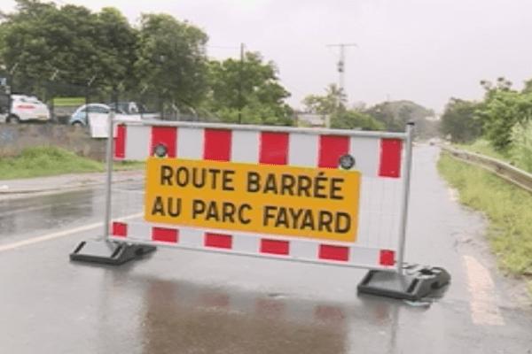 Dumbéa. Inondation. Route coupée