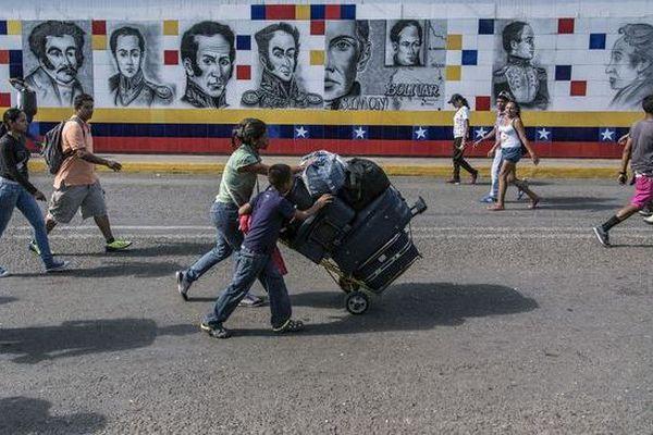 Les vénézueliens quittent leur pays