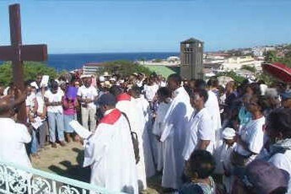 Chemin de croix au Carmel