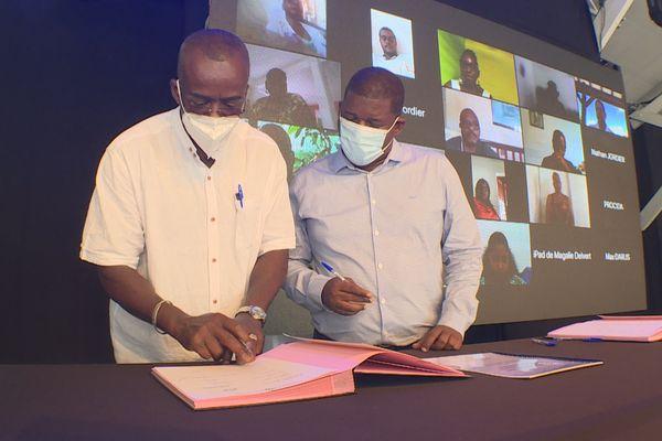 Signature Contrat de gouvernance