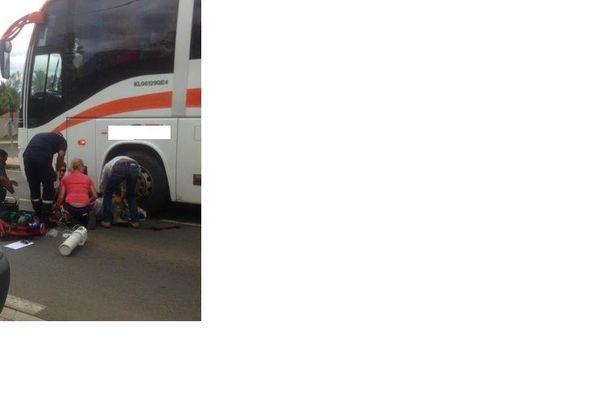 Accident de la route à La Foa