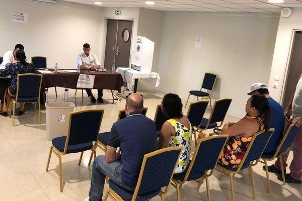 Le vote des brésiliens de Guyane à l'hôtel Royal Amazonia