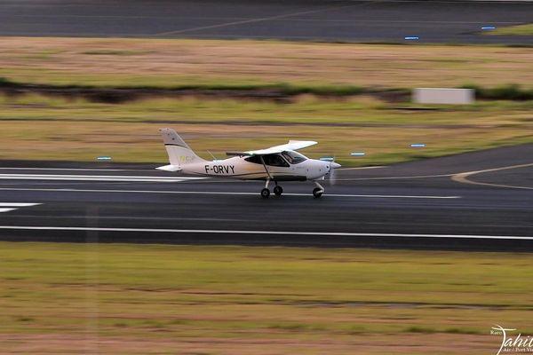Avion biplace