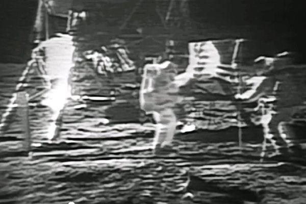 Neil Armstrong et Buzz Aldrin sur la lune