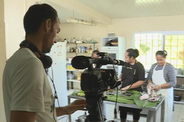 L'équipe de l'émission culinaire Voyages et Délices à Wallis