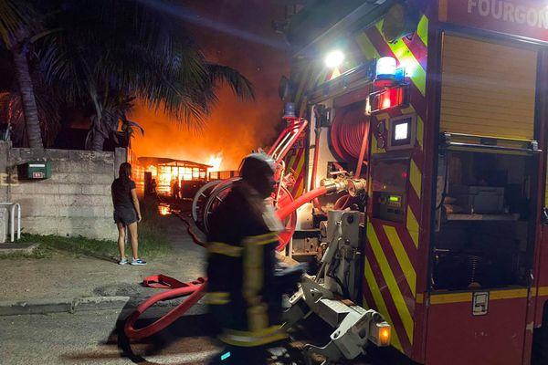 intervention pompiers incendie pont des français