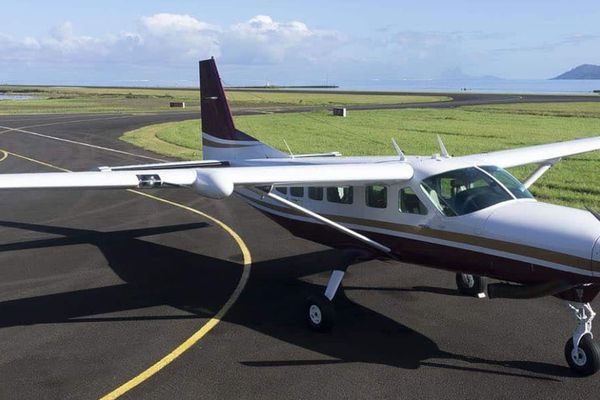 Tahiti air charter