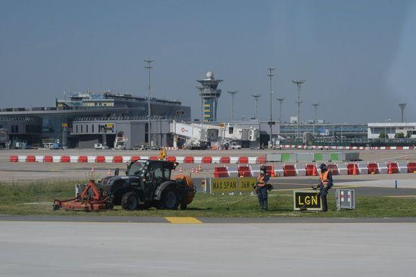 Préparatifs réouverture aéroport d'Orly