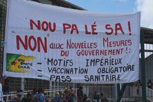 Devant l'Agence Régionale de Santé de la Guyane, ce matin, principal lieu de rassemblement pour ce premier jour de grève.