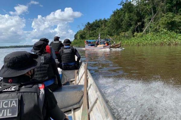 Coup de filet à l'embouchure de l'Oyapoque