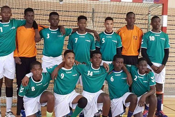L'équipe moins de 14 ans de la sélection de Guyane de Handball