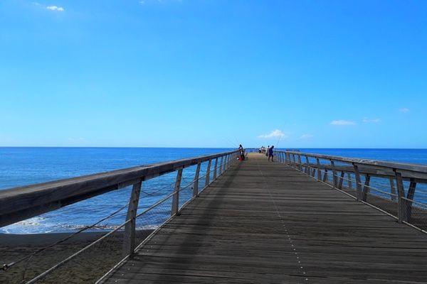 Ciel bleu en baie de Saint-Paul mai 2021