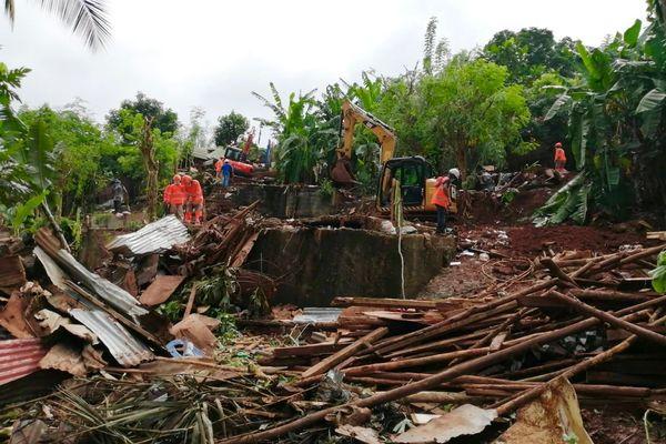 Opération de destruction des cases insalubres à Koungou, lieu dit Jamaïque