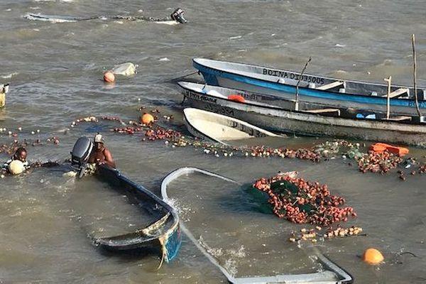bateaux de pêche coulés