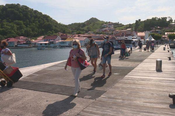 passagers transports maritimes vers les Saintes