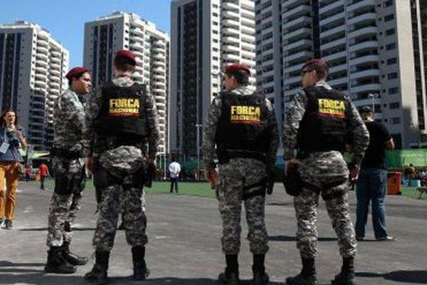 Militaires au village des jeux de Rio