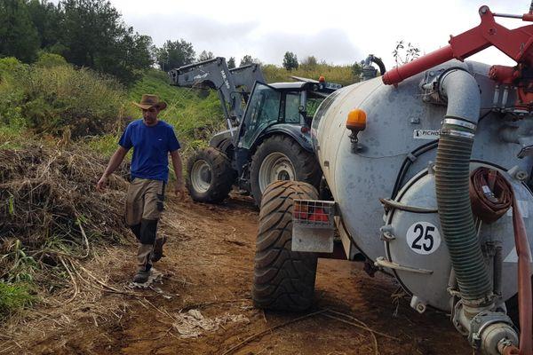 livraison d'eau aux éleveurs
