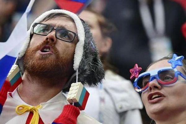 Des supporters russes dans le stade de Saint-Pétersbourg à l'occasion de la rencontre entre la Russie et l'Egypte