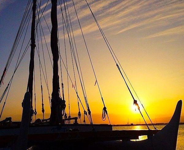 hokule'a sunset