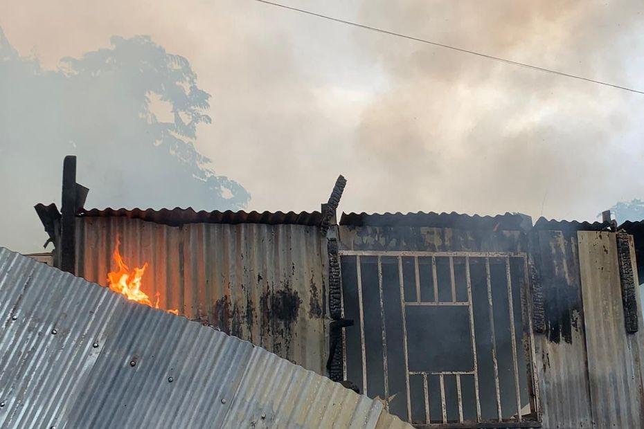 Incendie à Mamoudzou vers l'école du manguier - Mayotte la 1ère
