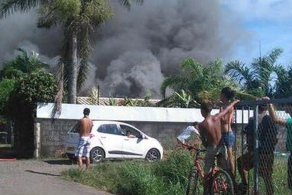 Incendie à Mahina - 26 05 2016