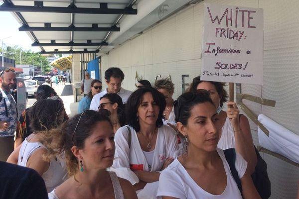 Manifestation des libéraux de santé devant la Cafat, déficit du Ruamm, suspension des paiements, 29 novembre 2019